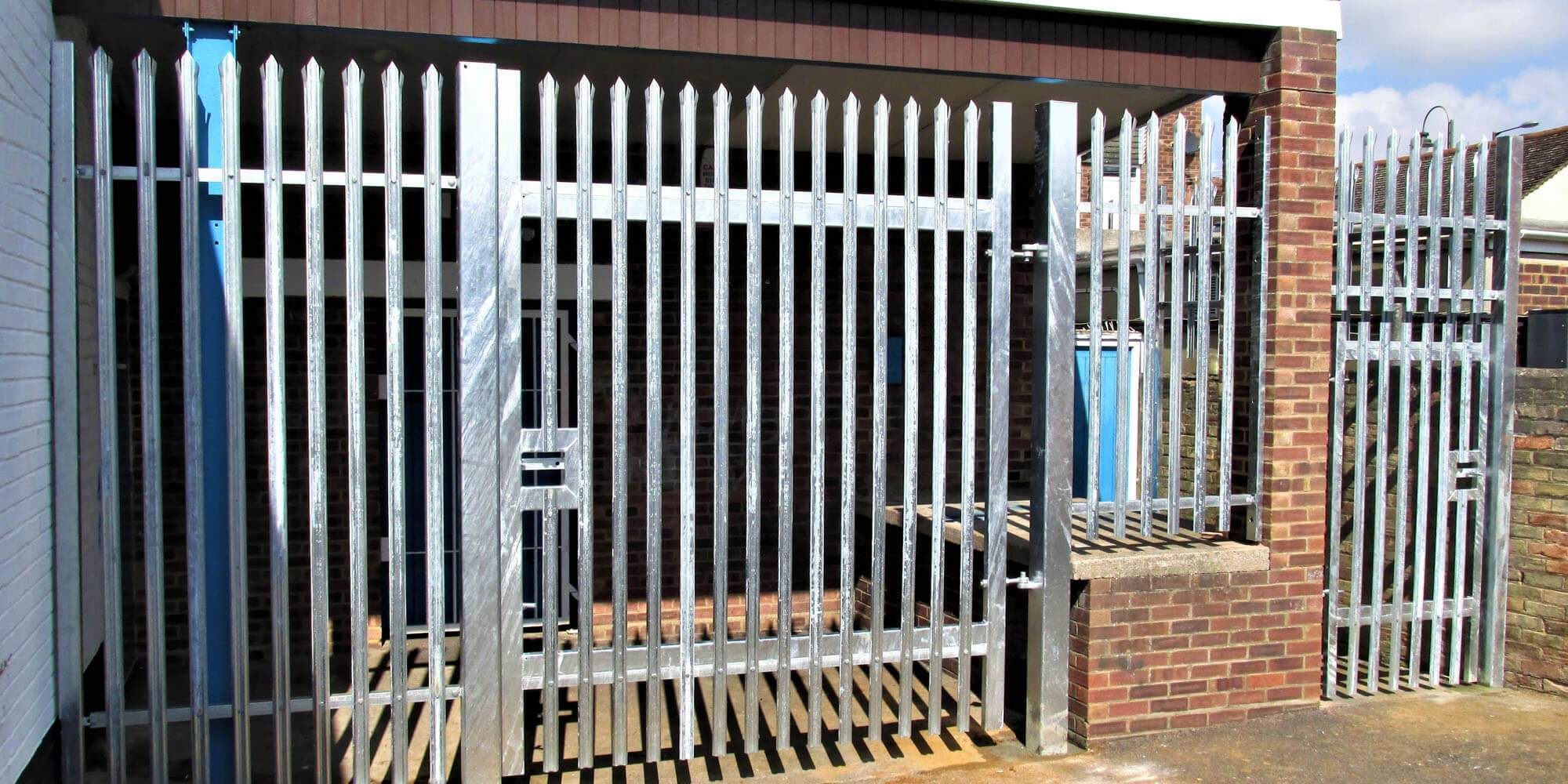 commercial and industrial security fencing bedfordshire