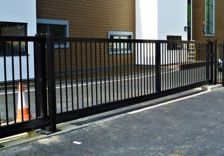 Automated gates bedfordshire fencing specialists