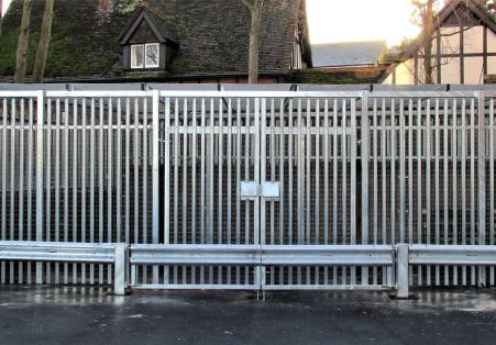 Security fencing specialists in bedfordshire